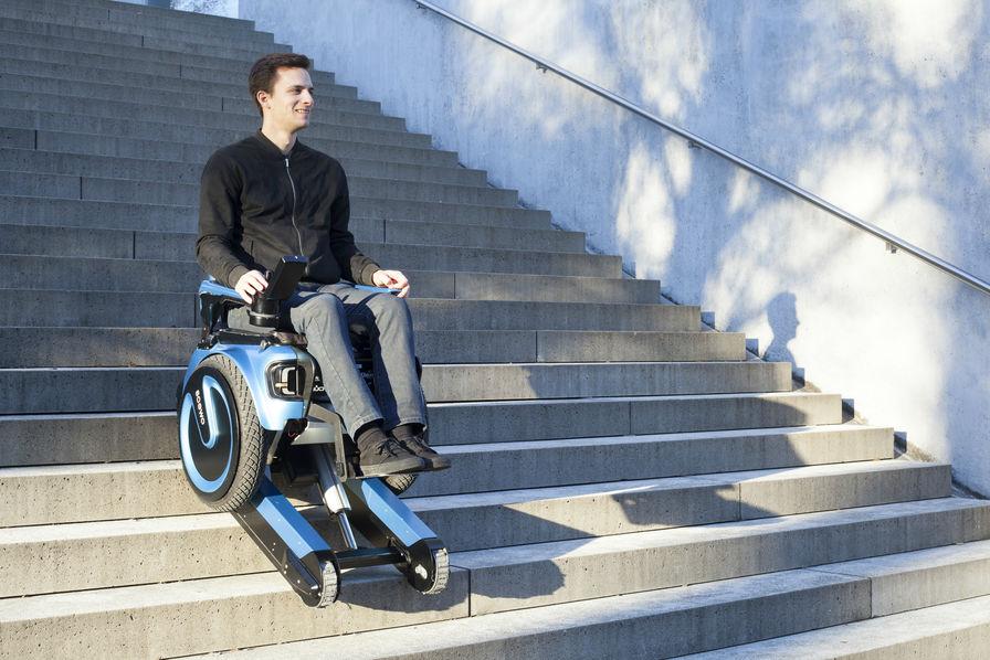 l 39 industrie c 39 est fou ils inventent un fauteuil roulant. Black Bedroom Furniture Sets. Home Design Ideas