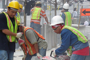 Ouvriers au travail