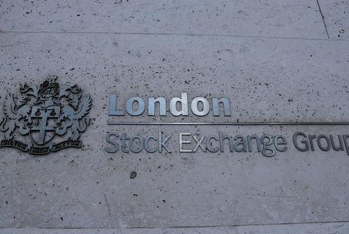 BOURSE-Wall Street finit en hausse, espoirs sur le commerce