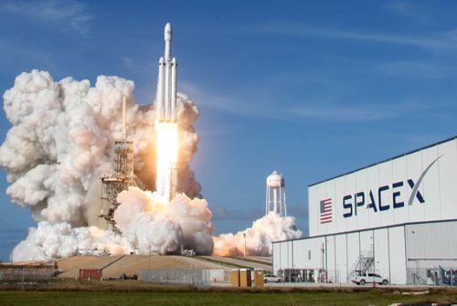 Spacex: lancement de la nouvelle fusée reporté
