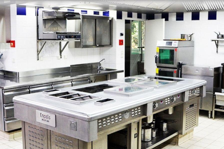 enodis vise la premi re place dans l quipement de cuisines professionnelles quotidien des usines. Black Bedroom Furniture Sets. Home Design Ideas