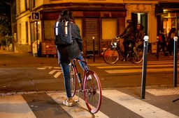 [En images] Le Galuchon, un sac intelligent Made in France pour cyclistes, au salon Maker Faire