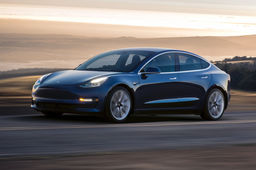 La berline Model 3 de Tesla s'invite enfin en Europe