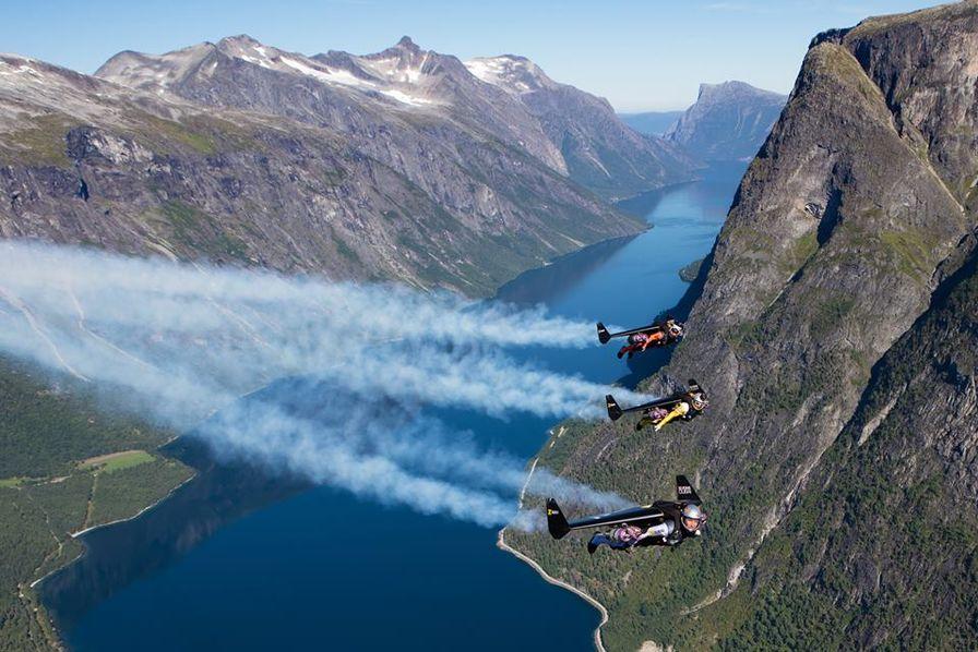 L'industrie c'est fou] Avec ses jetpacks, Jetman Dubai nous