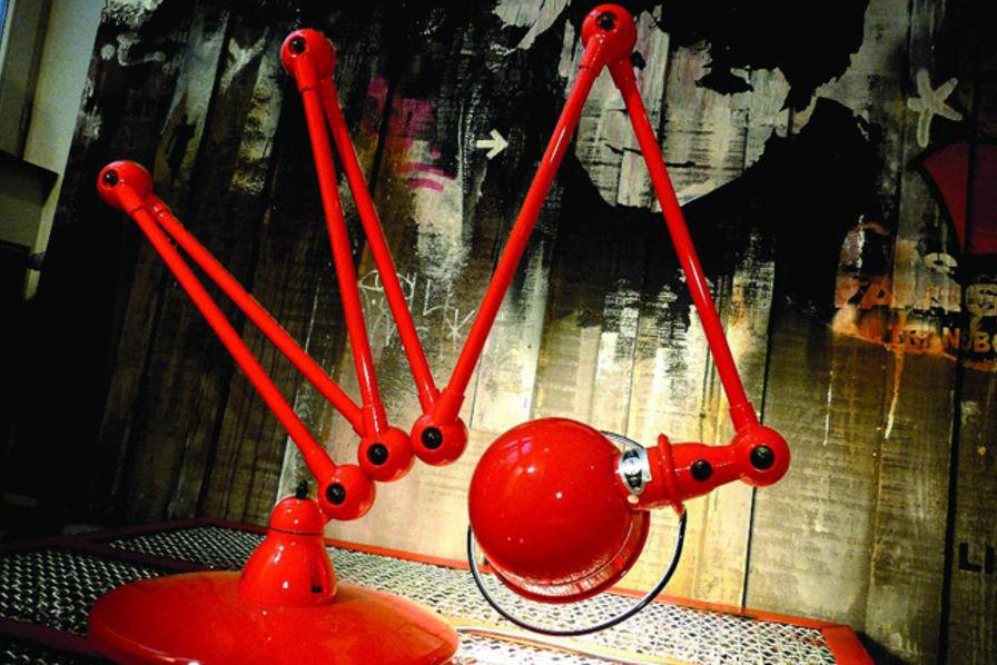 Le Lyonnais Jielde Icone De L Art Industriel France