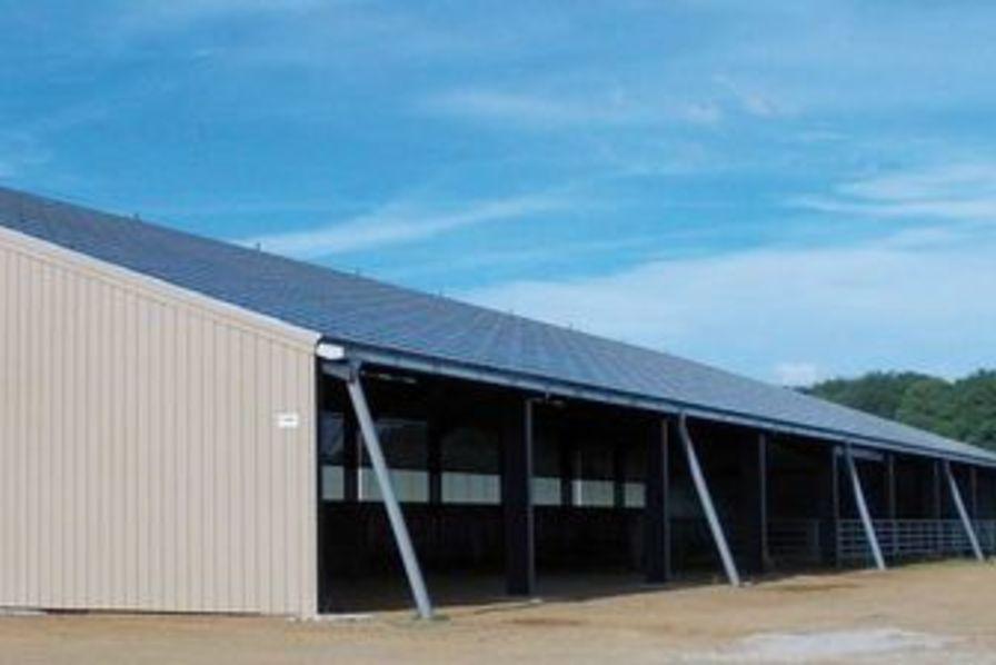 Des panneaux solaires sur les hangars agricoles limousins investissements industriels - Hangar photovoltaique agricole ...