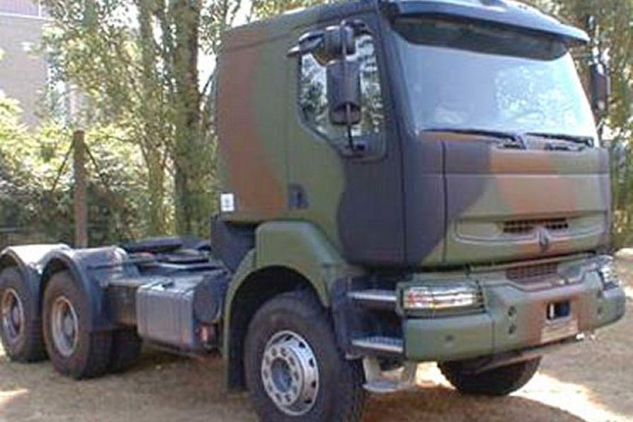 renault trucks limoges menac e par la perte d 39 un march militaire quotidien des usines. Black Bedroom Furniture Sets. Home Design Ideas