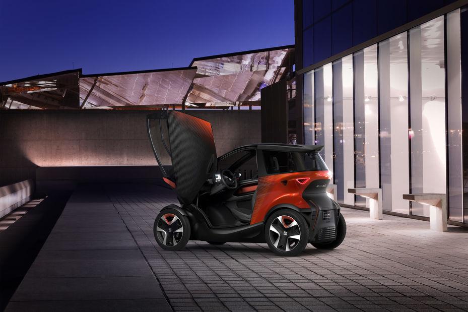 Cette mini-voiture électrique annonce le début de la mobilité partagée ! By DETOURS 000742615_illustration_large