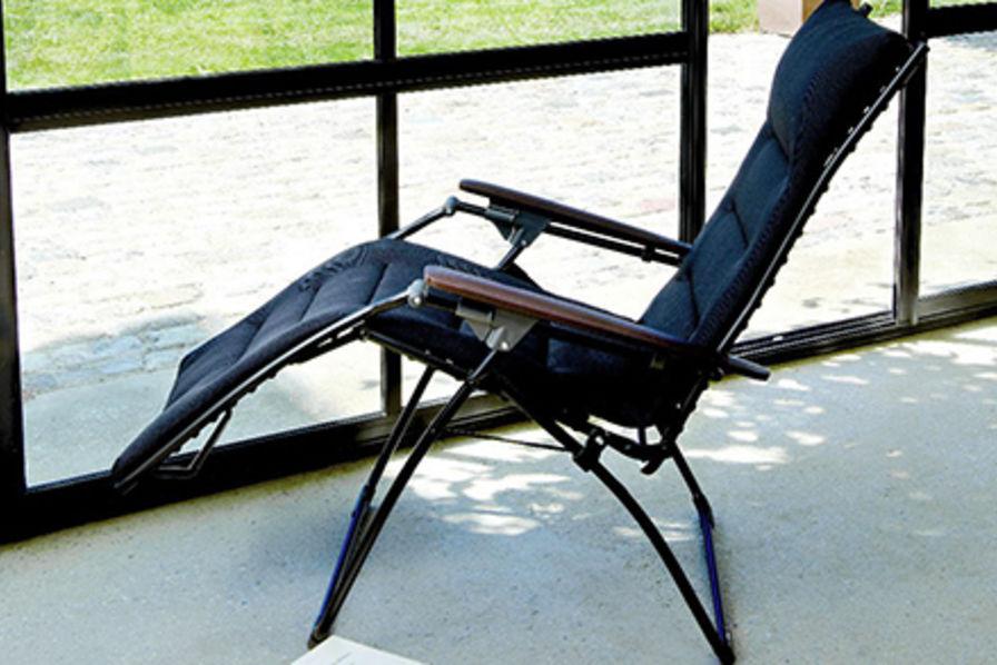 le dr mois lafuma mobilier se la coule douce avec relax. Black Bedroom Furniture Sets. Home Design Ideas