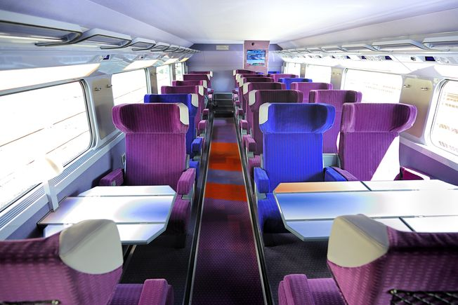 France high speed rail page 39 skyscrapercity for First class 8 interieur
