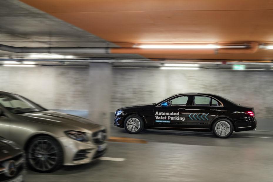 Bosch et Daimler lancent le stationnement automatisé à Stuttgart