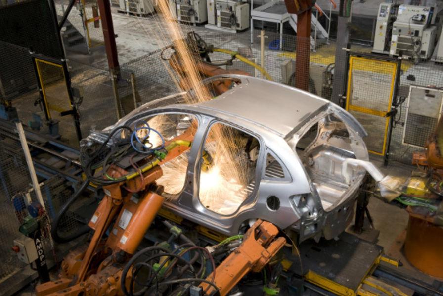 Sur le site psa d 39 aulnay sous bois la r industrialisation for Garage citroen metz borny