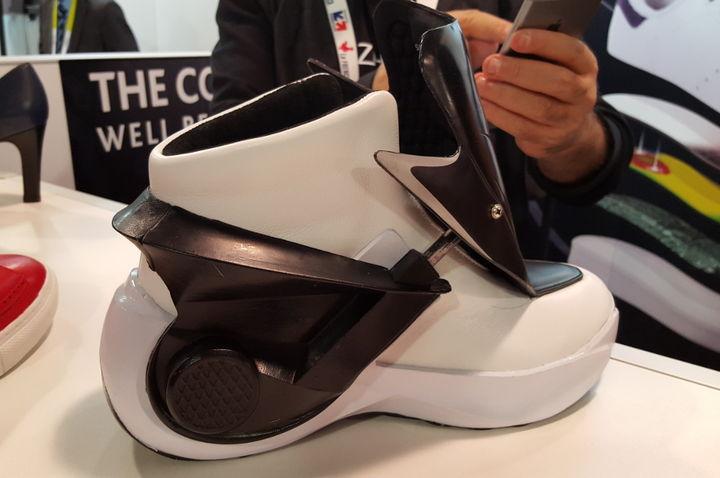 Ces 2016 avec leurs chaussures et semelles high tech for Salon de la chaussure