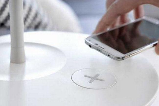 Njut les meubles ikea deviennent capables de charger un smartphone sans le brancher - Ikea chargeur induction ...