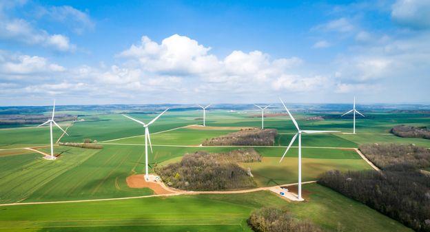Troquer le nucléaire contre les renouvelables est théoriquement possible, selon RTE et l'AIE