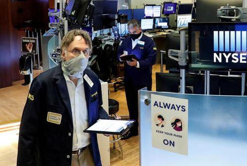 Wall Street bondit dans les échanges électroniques après le rapport sur l'emploi