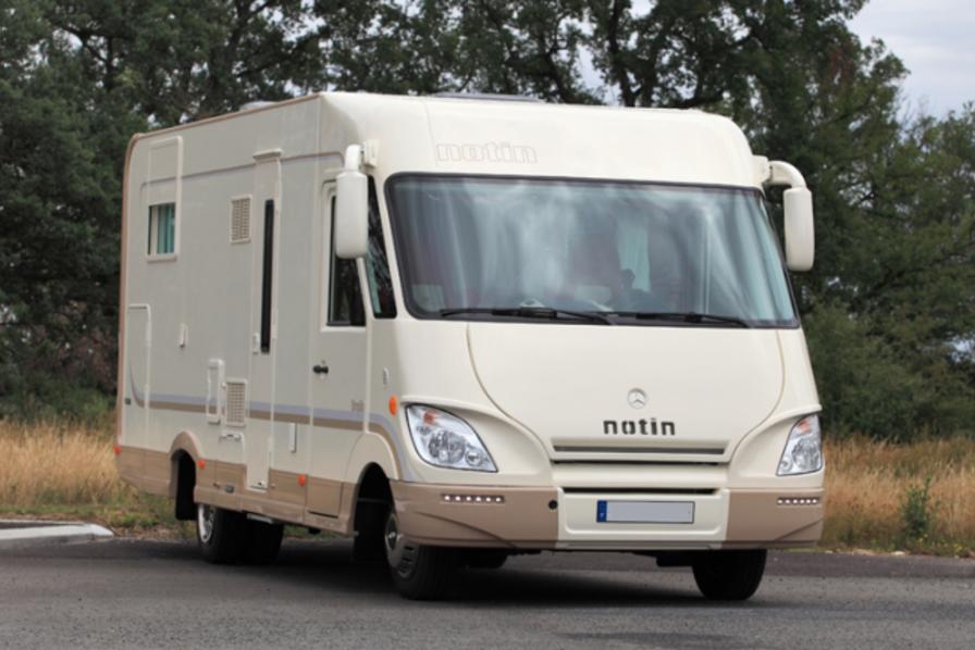 notin int gre la caravane des camping cars de trigano quotidien des usines. Black Bedroom Furniture Sets. Home Design Ideas