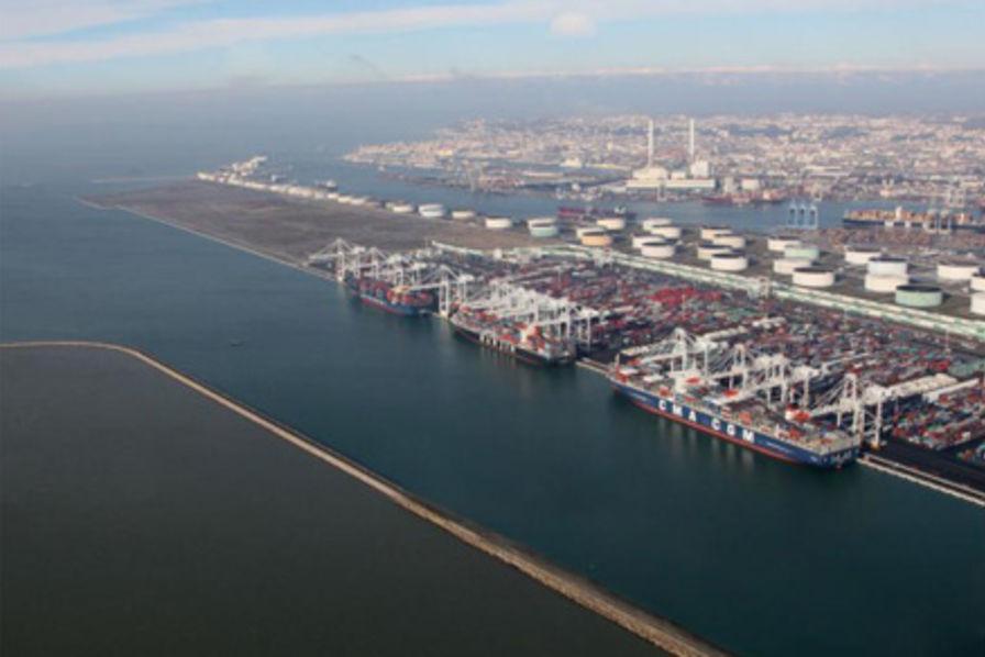 Bienvenue Au Havre Plaque Tournante Du Trafic De Beaujolais Nouveau