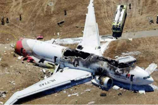 Les images impressionnantes du crash du vol Asiana 214 à San Francisco