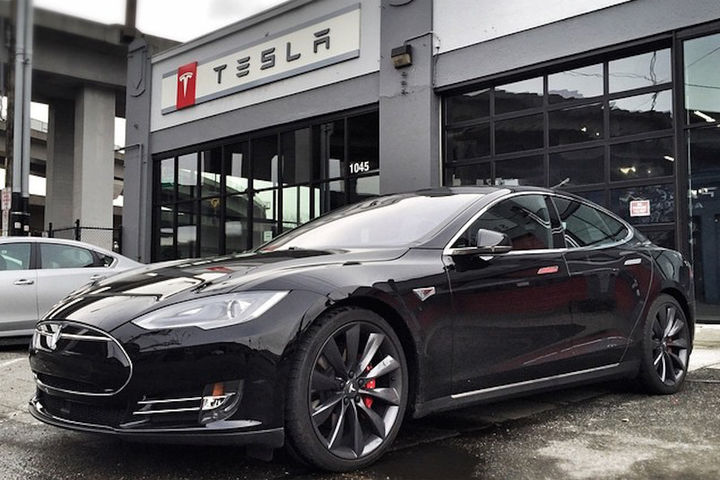 quand singapour applique un malus cologique de 10 000 euros la tesla model s elon musk s. Black Bedroom Furniture Sets. Home Design Ideas