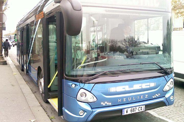Extrêmement Heuliez Bus fait rouler son bus électrique de 90 places - Transport GF56