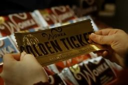 Nestlé met un GPS dans le ticket de Willy Wonka pour la chocolaterie