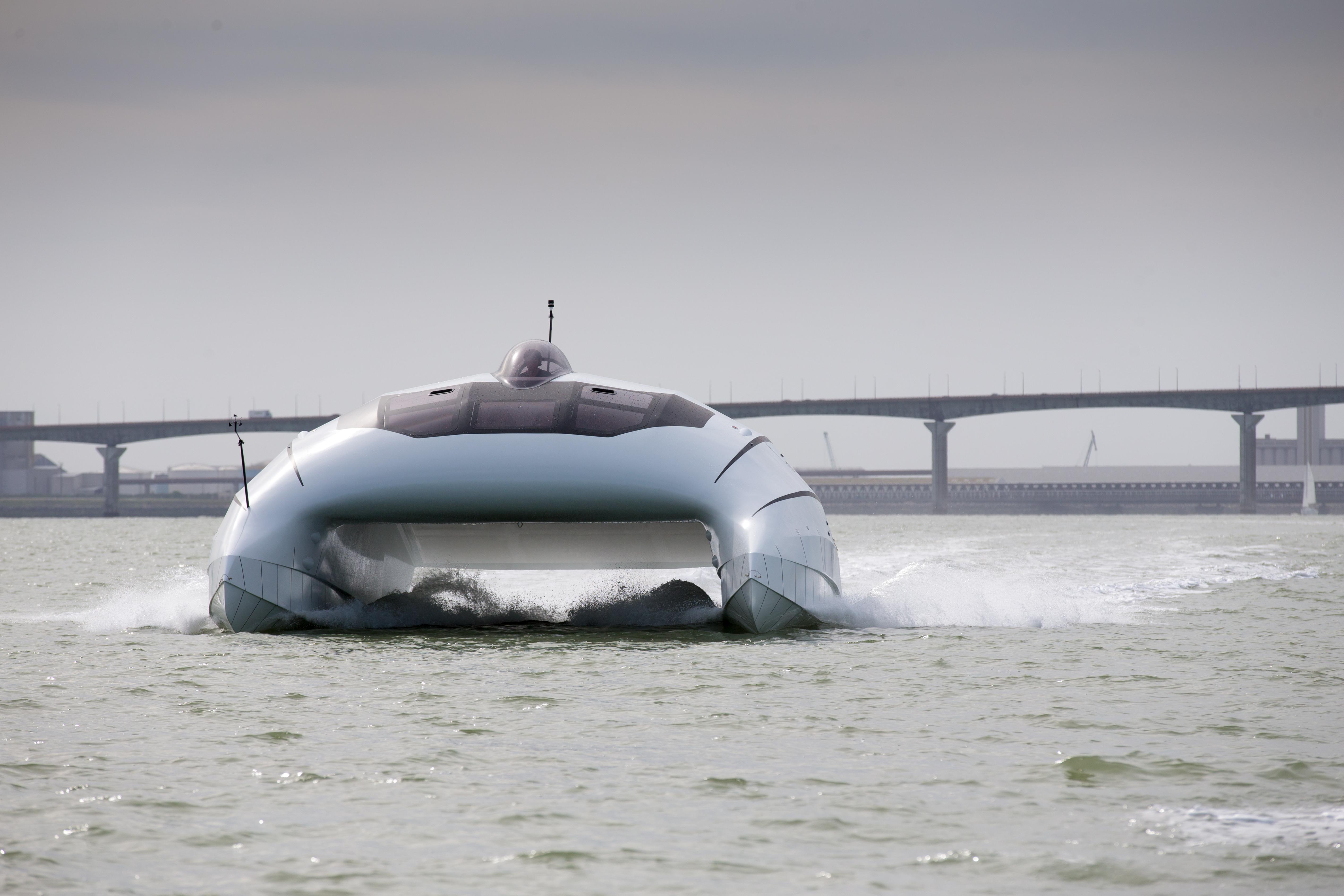 lili le prototype d a2v navigue 50 noeuds maritime. Black Bedroom Furniture Sets. Home Design Ideas
