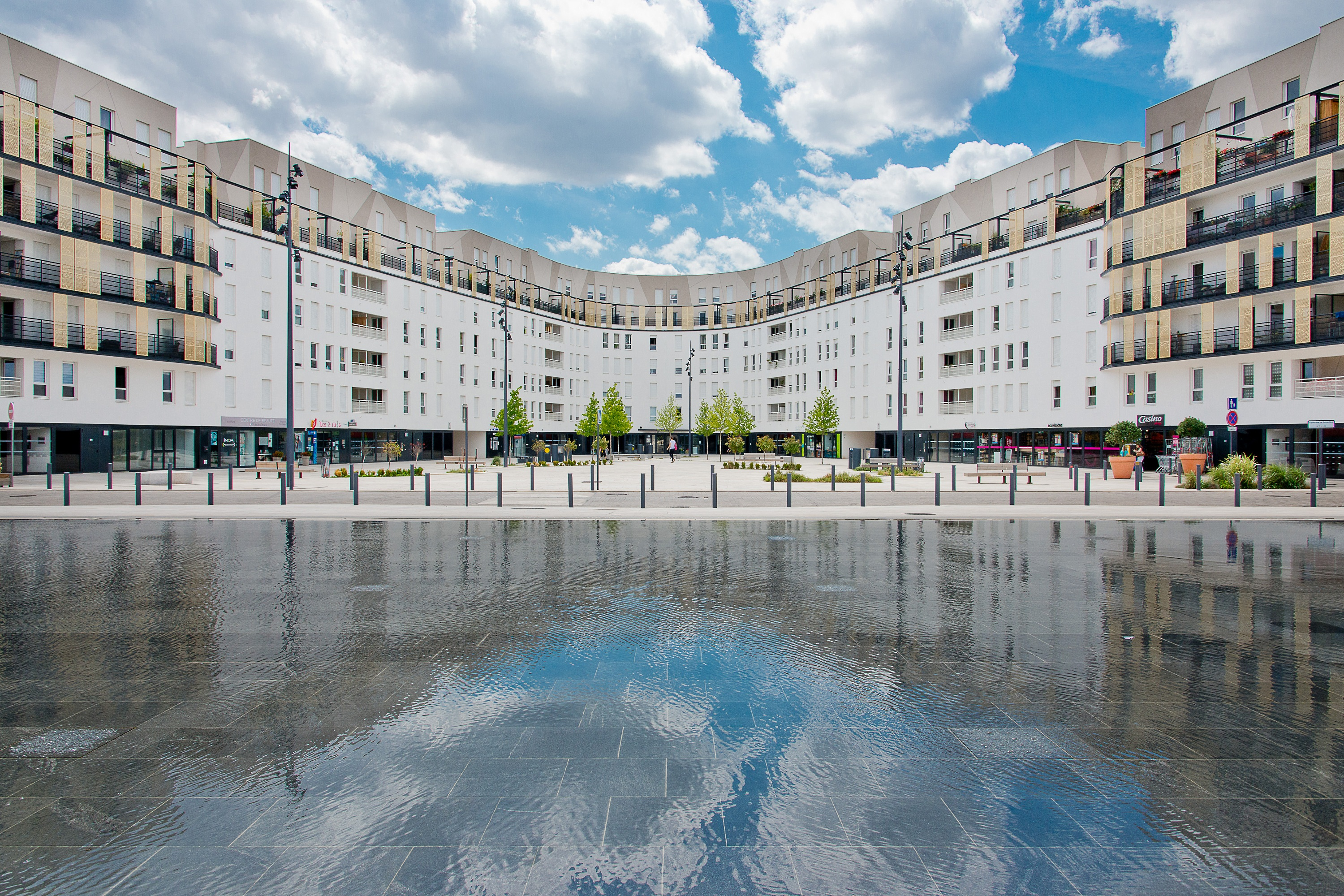 L co quartier du fort d issy a conquis ses r sidents for Piscine issy les moulineaux