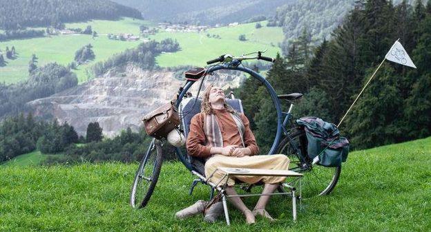 [[L'industrie c'est fou] Grâce à ce camping-bike, les cyclistes peuvent dormir dans leur vélo] - Usine Nouvelle
