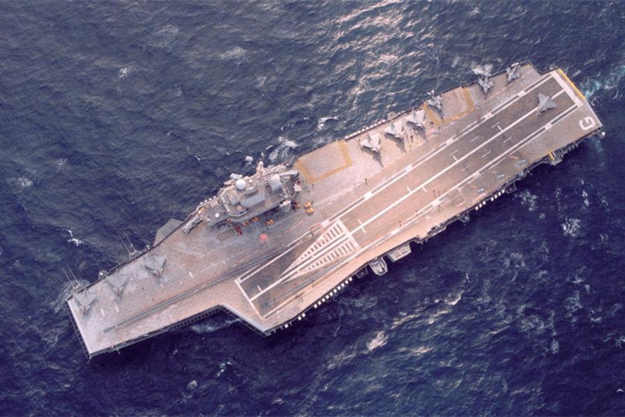 Le porte avions charles de gaulle c 39 est aussi une usine construction navale civile ou - Ou est le porte avion charles de gaulle ...