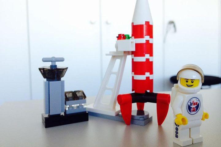 Jouets À InsoliteDes Lego De La Bord Spatiale Station kXZPliuTwO