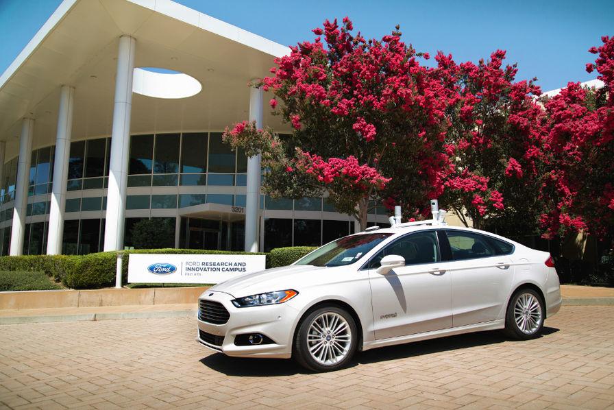 Ford reste prudent sur un éventuel partenariat avec Volkswagen dans la voiture autonome