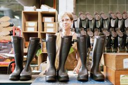 Unique fabricant de bottes en France, Aigle obtient le label Origine France garantie