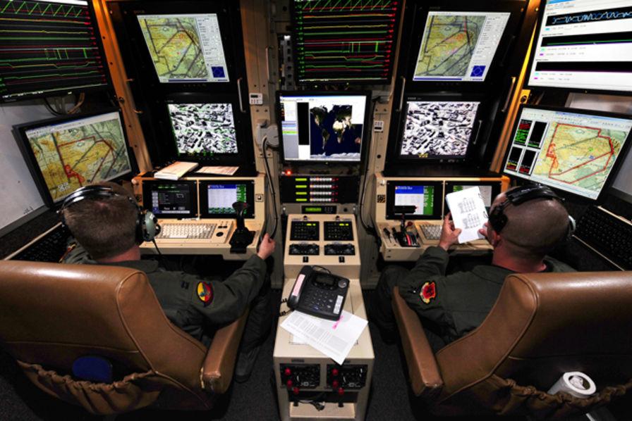 l 39 us air force augmente les salaires de ses pilotes de drones pour qu 39 ils ne partent pas dans le