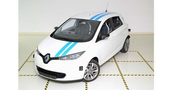 vid o renault promet une voiture autonome aussi agile qu 39 un pilote professionnel l 39 usine auto. Black Bedroom Furniture Sets. Home Design Ideas
