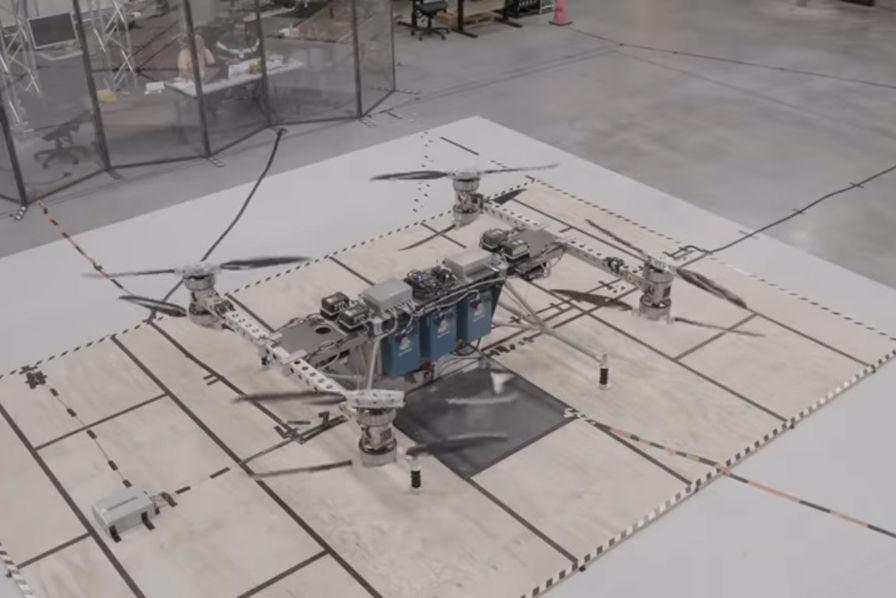 Boeing présente un drone capable de supporter plus de 200 kilos