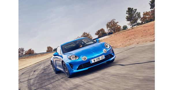 en images une alpine a110 prend feu lors d 39 un tournage de top gear l 39 usine auto. Black Bedroom Furniture Sets. Home Design Ideas