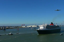 [En images] Queen Mary 2, trimarans Ultimes et Airbus A380… sur la même photo