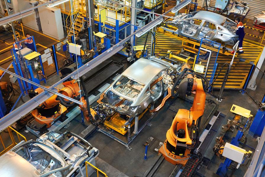 Six constructeurs d'automobiles touchés — Scandale Kobe Steel
