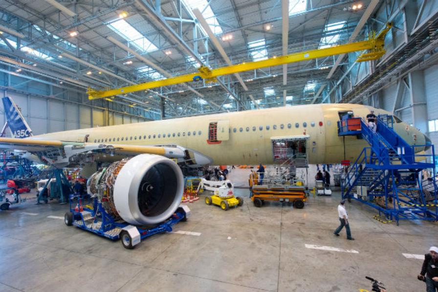 La fabrication de l 39 airbus a350 xwb en deux minutes chrono - Les deux minutes du peuple le salon funeraire ...