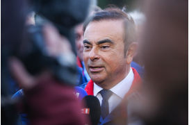 Arrestation de Carlos Ghosn, Boeing 777X, Peugeot 508L, Land Rover Evoque : les 5 images de la semaine
