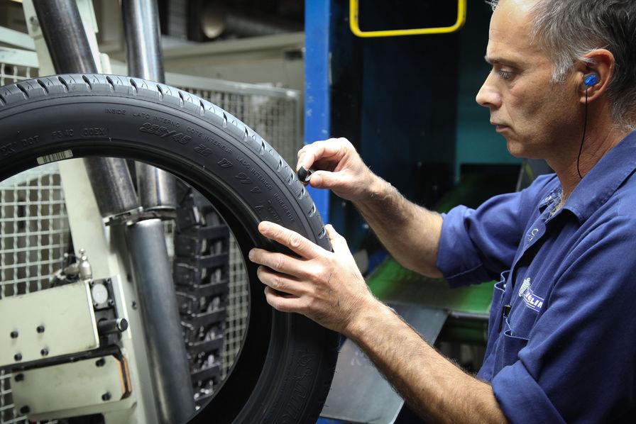 Michelin envisage d'autres accords de compétitivité