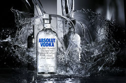 [En images] La fabrication (suédoise) de la vodka Absolut, pépite de Pernod Ricard