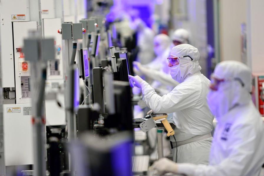 Intel Trebuche Dans La Loi De Moore Electronique
