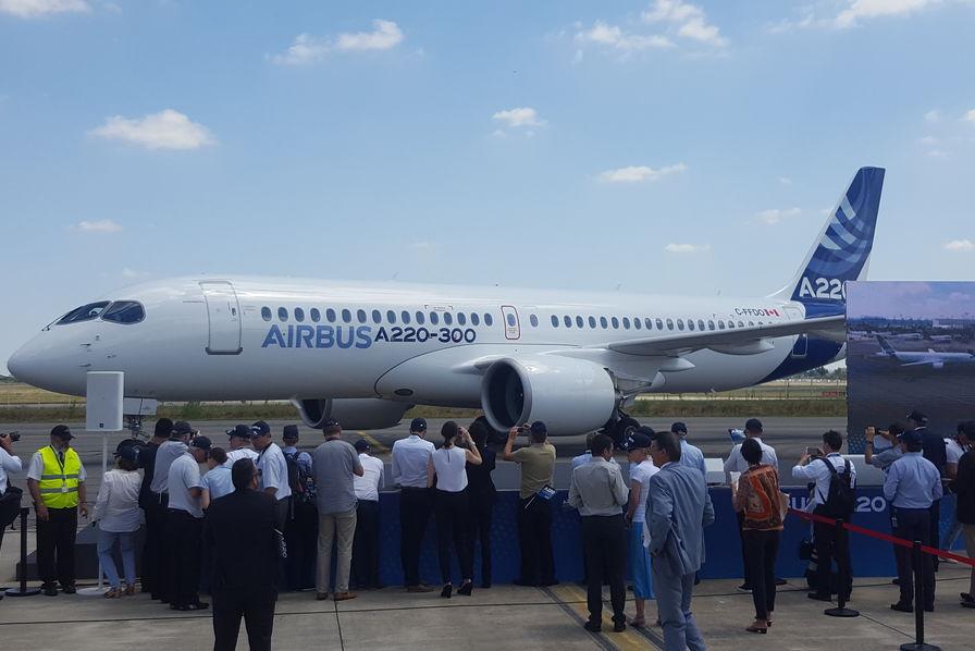 Airbus vise au moins 10 commandes de CSeries en 2018