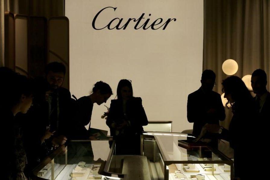 Fabrication Des Cartier Et La De Kering Lunettes Dans S'associent VSqGLUzpM