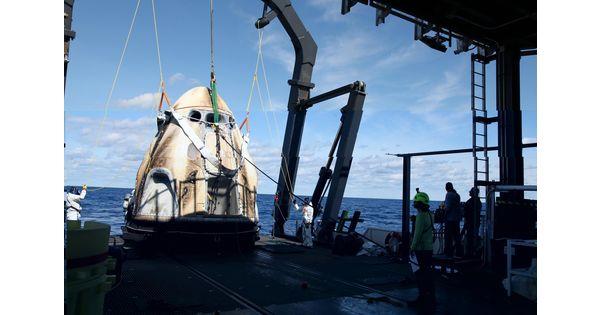Elon Musk et le patron de la NASA préparent la capsule Crew Dragon pour 2020