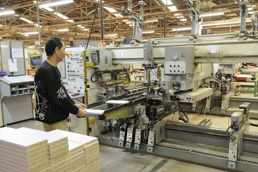 En haute sa ne parisot automatise le meuble en kit for Fabricant de meuble francais