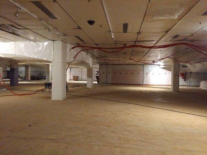 comment les galeries lafayette g rent la d construction d 39 un grand magasin commerce. Black Bedroom Furniture Sets. Home Design Ideas