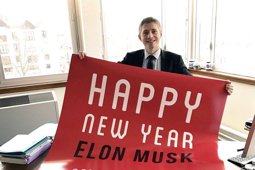 Le Maire De Chateauroux Fait Nouveau Les Yeux Doux Pour Une Gigafactory Tesla